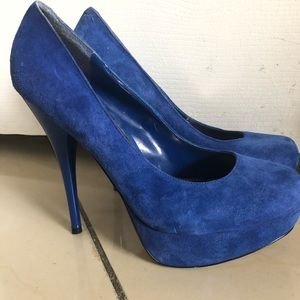 Nice royal blue pumps